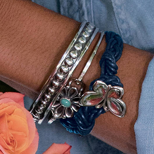 View Larger Image of De Flores Hook-On Bracelet