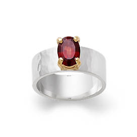 Julietta Ring with Garnet